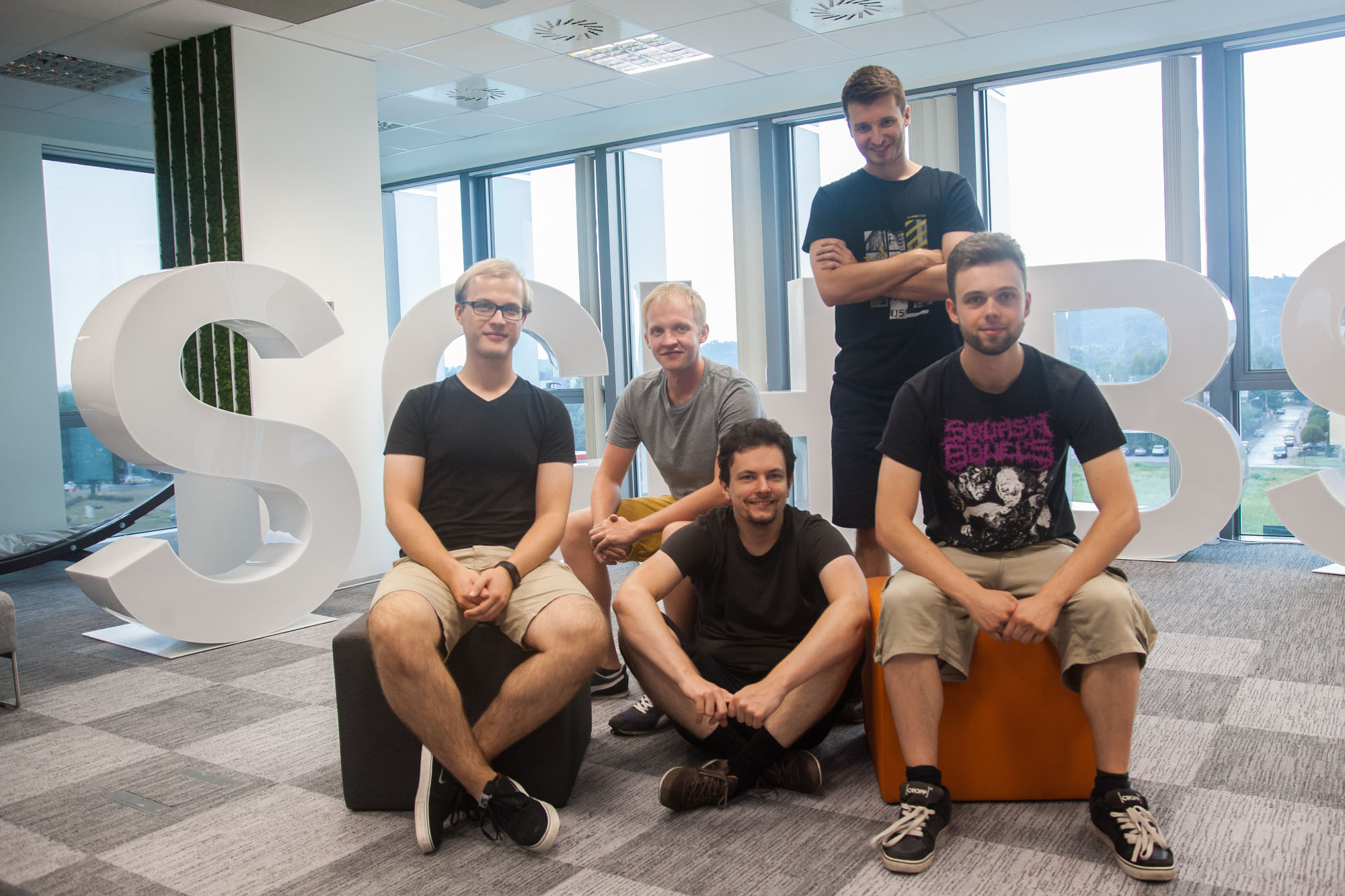 The editorial mobile team. From the left: Patryk Konior, Mirosław Kucharzyk, Jakub Wasilewski, Mateusz Kwasniewski and Krystian Jarmicki