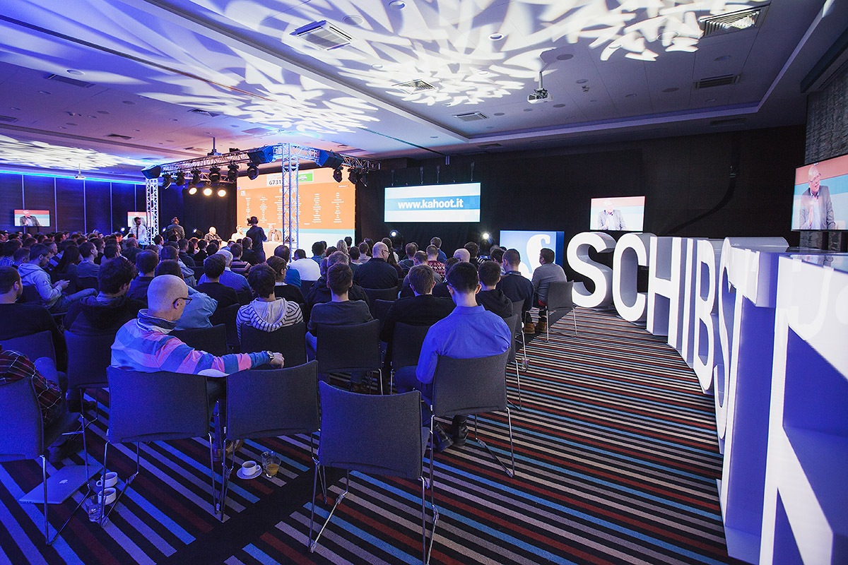 Big illuminating letters with Schibsted´s name spelled out surrounded the audience