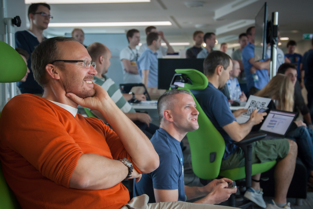 Schibsted Tech Polska´s CEO, Stig A. Waagbø, listens to one of the presentations