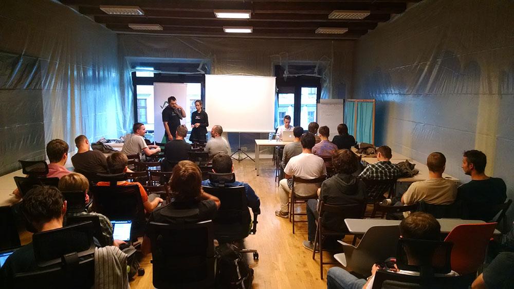 Tomasz Lelek presenting in Krakow Scala User Group at the Google for Entrepreneurs on August 25.
